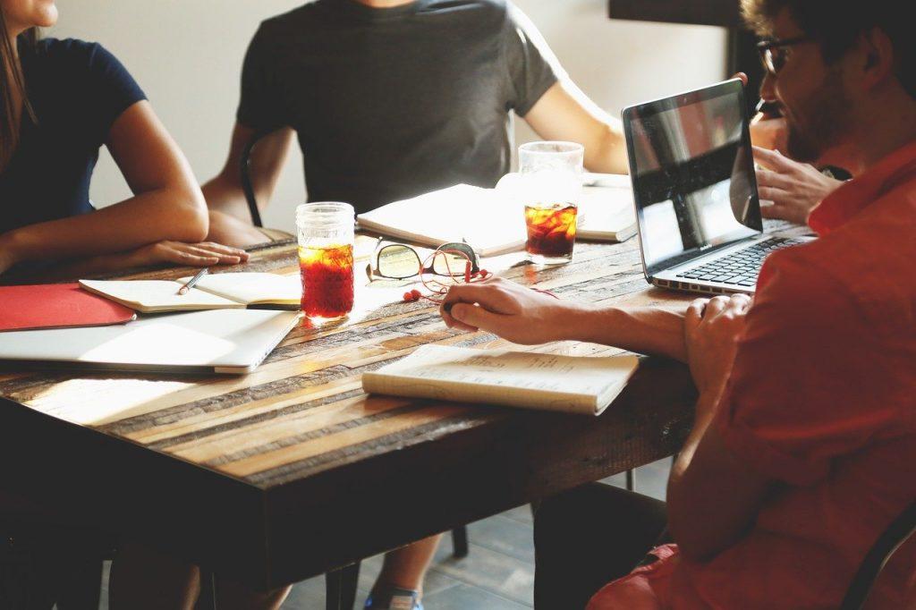 Partizipation und Mitgestaltung sind hohe Werte bei der Generation Y und Z, wenn es um ihren Wunsch-Arbeitsplatz geht