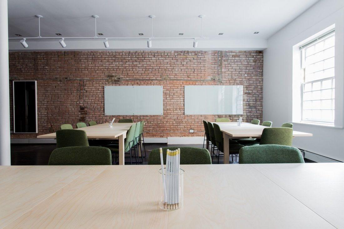 Der Fachkräftemangel lässt die Büros leer stehen